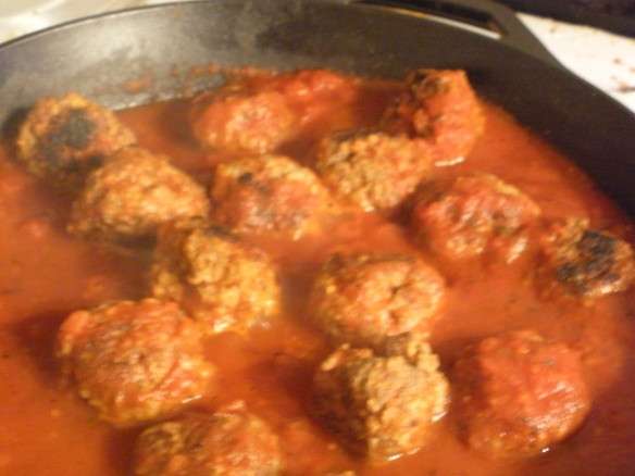 Cooking meatballs is a cinch in my new cast iron skillet!